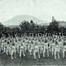 Cvičení hasičů v Roudnici nad Labem v roce 1908
