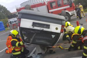 Regionální soutěž hasičů ve vyprošťování vyhrál v Přerově domácí tým
