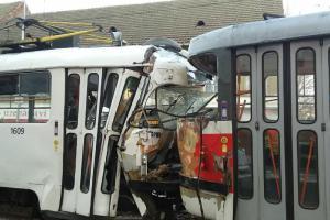 Nuda v Brně? Ani náhodou, hasiči zasahovali u nehody dvou tramvají