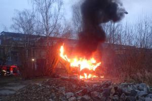 Požár traktorbagru ve Studénce způsobil škodu za 600 tisíc