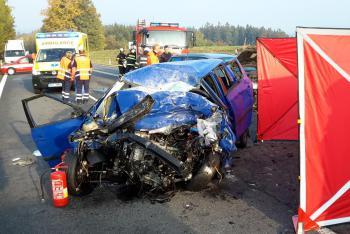 Tragická nehoda u Hodušína. Nepřežil jeden člověk, tři zraněné osoby