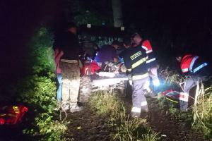 Pacienta z nepřístupného terénu transportovala hasičská čtyřkolka