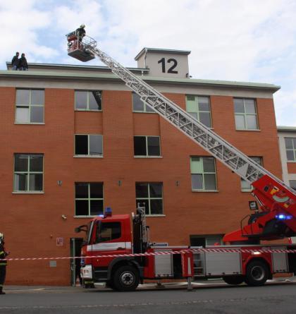 Budova zlínské policie v plamenech, evakuováno muselo být 120 osob. Cvičně.