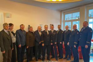 Zástupci hasičů podepsali memorandum o spolupráci s profíky i dobráky