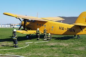 Hasiči nacvičovali v Mladé Boleslavi plnění Anduly. Je to hasicí letadlo (VIDEO)