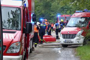 Přijeli i hasiči z Rakouska. Společný výcvik u požáru lesa