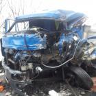 Bouračka větší než velká. Dvě osobní auta se střetla s dvěma náklaďáky
