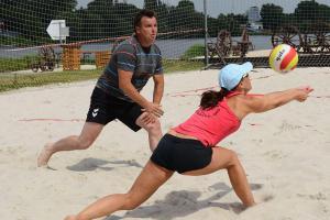 Praha hostila plážový volejbal, turnaj navštívil i generální ředitel Ryba