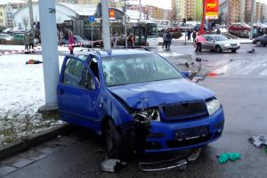 Zledovatělé jihočeské vozovky navyšují počet dopravních nehod (VIDEO)