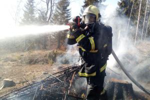 Na Liberecku foukalo, požáry hasiči zdolávali s velkými obtížemi