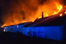 Požár zemědělského objektu na Kutnohorsku zaměstnal deset jednotek