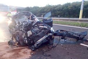 Černý pátek v Jasenné. Při střetu náklaďáku a dvou osobáků zemřel člověk