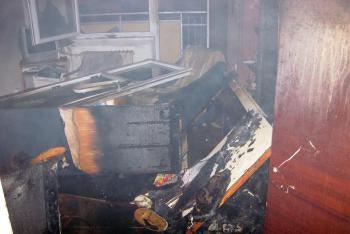 Při požáru bytu v Rokytnici profesionálům pomáhaly i dobrovolné sbory