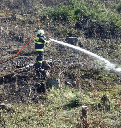 Poplach i pro Slováky! Hořel lesní porost v Mostech u Jablunkova