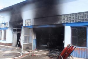 Majitel autoservisu bojoval s požárem, nedopadl vůbec dobře