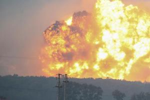 Požár v polském Odrowažu. Hasiči hasili už jen torzo objektu
