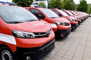 Radosti plná duše. Dobrovolní hasiči si převzali nová vozidla Toyota Proace