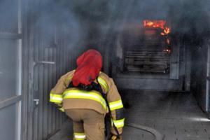Liberečtí dobrovolní hasiči si v kontejneru vyzkoušeli skutečný křest ohněm