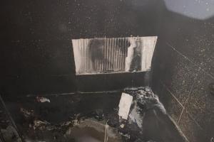 Romantika se svíčkami v koupelně. Potom požár a velká škoda