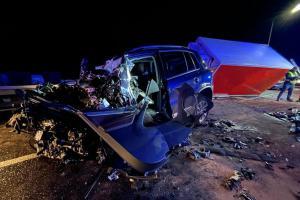 Půlnoc je období zlé. Po nehodě zemřeli dva řidiči v Hořovičkách