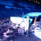 Tragická nehoda v Trutnově. Po čelním střetu dvou osobáků zemřel řidič