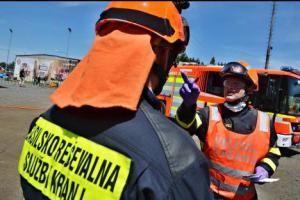 Výcvik hasičů tří zemí v Ostravě vyvrcholil dvěma simulovanými nehodami