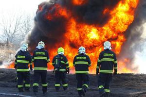 Extra: Kondiční trénink hasičů. Zkuste to a dva dny se nehnete (VIDEO)
