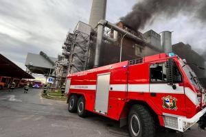 Pražská Spalovna Malešice v dýmu a ohni. Hořela technologie (VIDEO)