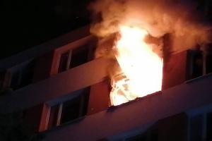 Požár zabíjel v Praze-Krči. Hořel byt v šestém patře