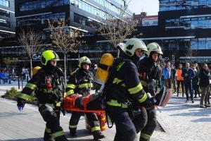 Cvičný požár vypukl v objektu Art Office Gallery v pražských Holešovicích