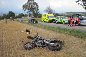 Motorkář se srazil s osobákem. Jeho poslední jízda v životě