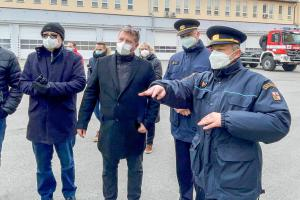 Zástupci města Olomouc předali hasičům novou techniku