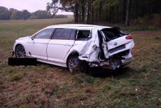 Auto nejdříve srazilo zvěř, do vozu pak nabouraly další dva automobily