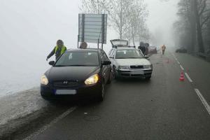Pardubicko: Mlha a zrádné náledí, jedna nehoda za druhou