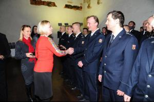 Hasiči, kteří zasahovali u požáru pražského hotelu v Náplavní ulici, byli oceněni