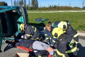 Dobrovolní hasiči z Rychnovska prošli kurzem zdravotních znalostí