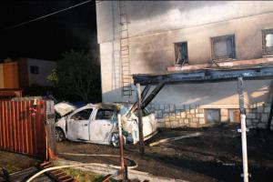 Zaparkované suto v Opavě vzplálo a oheň si potom bral vše okolo