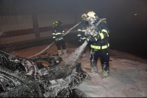 V tunelu Mrázovka hořelo auto, požár poškodil zabezpečení tunelu (VIDEO)