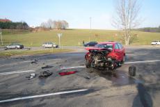 Děsivě vyhlížející nehoda u Slušovic se obešla bez zranění cestujících