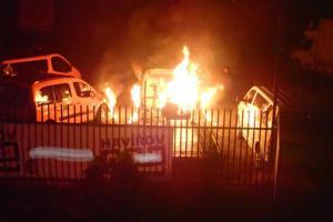 Majitelé asi budou naštvaní. Noční požár v havířovském autoservisu