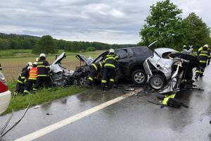 Při nehodě u Olešníka zemřel řidič. Byl to ještě mladík