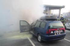Stačí, když v autě odpadne kus izolace na výfuk. Požár vypukne v cuku letu