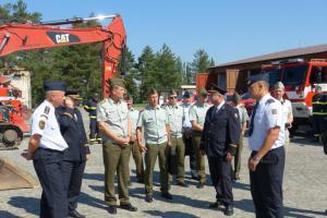 Pozor a pohov! Náčelník Generálního štábu armády ČR navštívil hasiče