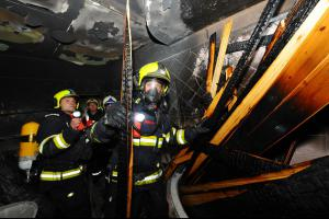 Až příliš velké horko. V Praze hořela sauna, hasiči zachránili čtyři osoby