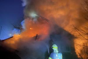 Požár v Rudimově zničil šatny a zázemí firmy. Zrada byla v komíně