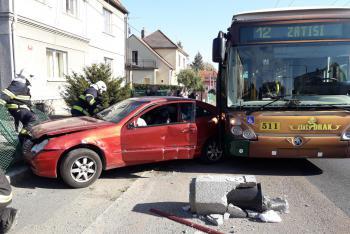 Víkend na Plzeňsku: Hodně dopravních nehod, dvě osoby nepřežily