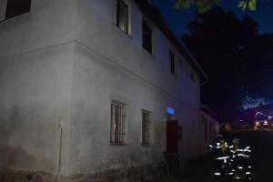 Při požáru ubytovny v Bukovanech pět osob skončilo v nemocnici