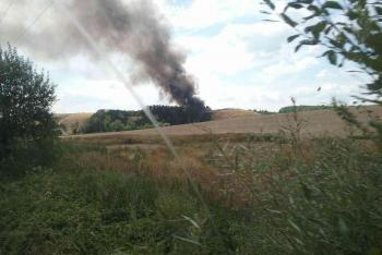 Hořela skládka u obce Hradčany na Přerovsku. Osm jednotek si opravdu máklo