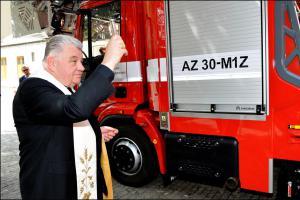 Hasiči z Pražského hradu zařadili do služby nový automobilový žebřík