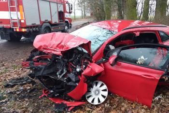 Čtyři zranění při nehodě u Strání. Oba řidiče museli hasiči vyprostit